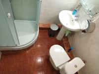 Семейный четырехместный номер с отдельной ванной комнатой