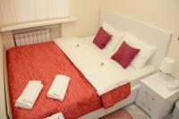 Небольшой двухместный номер с одной кроватью