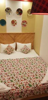 Двухместный номер эконом с большой кроватью(без ока)